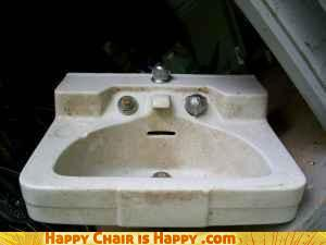 Objects With Faces-'Vintage' Sink Can't Believe You're Selling It On Craigslist