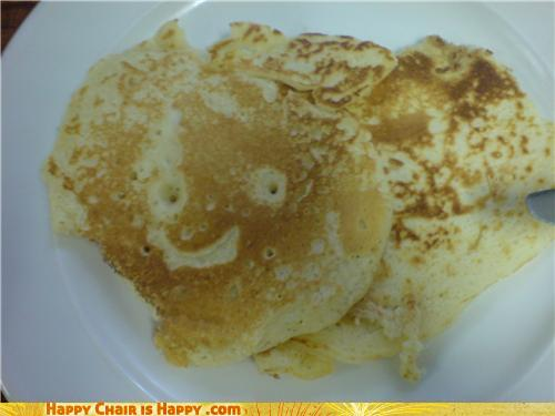objects with faces-Happy Pancake LOVES Maple Syrup!